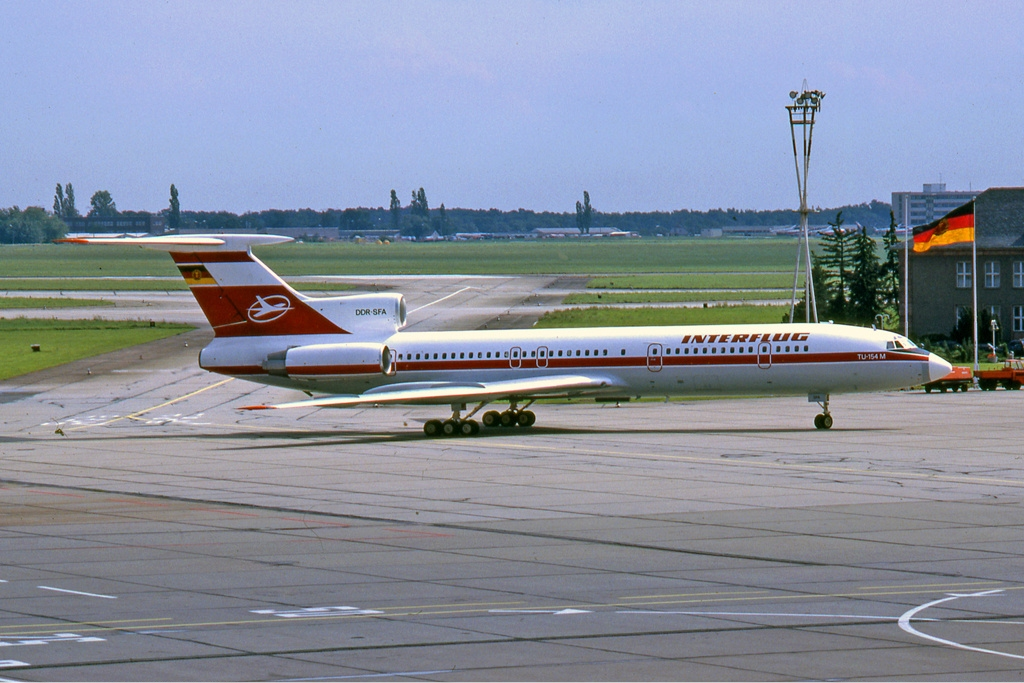 Interflug Tupolev Tu 154M Manteufel